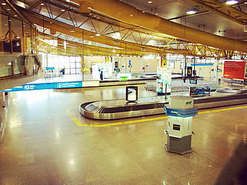 Terminal - carrosséis de malas