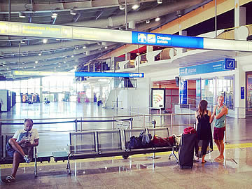 Terminal - zona das chegadas
