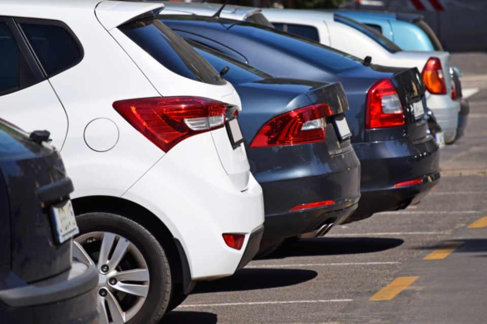 Lugares de estacionamento