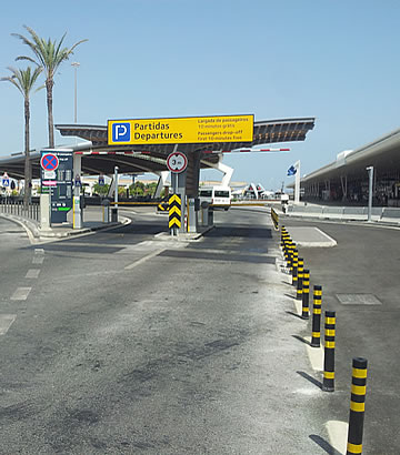 Entrada do parque Kiss and Fly no aeroporto de Faro - partidas
