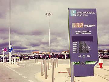 Aeroporto de Faro - entrada para o parque P3 - longa duração
